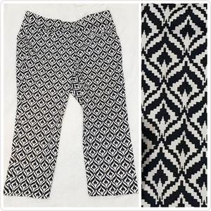 NY&C Stretch Capris Dress Pants Size 12